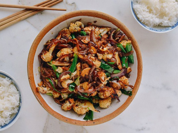 6 delicious stir fry recipes under 300 calories cauliflower has quickly become a hot vegetable on food and health enthusiasts lists alike as its not only incredibly delicious but provides a forumfinder Choice Image