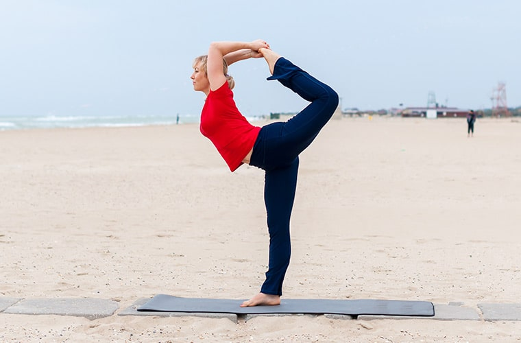 how to do dancer pose in yoga
