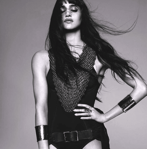 Sofia Boutella Women's Arm Exercises