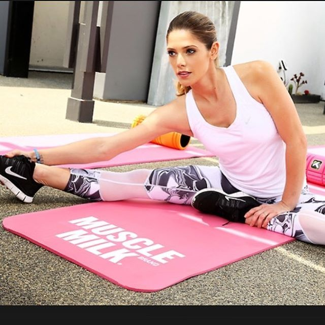 Ashley Greene Gluteus Minimus Exercises