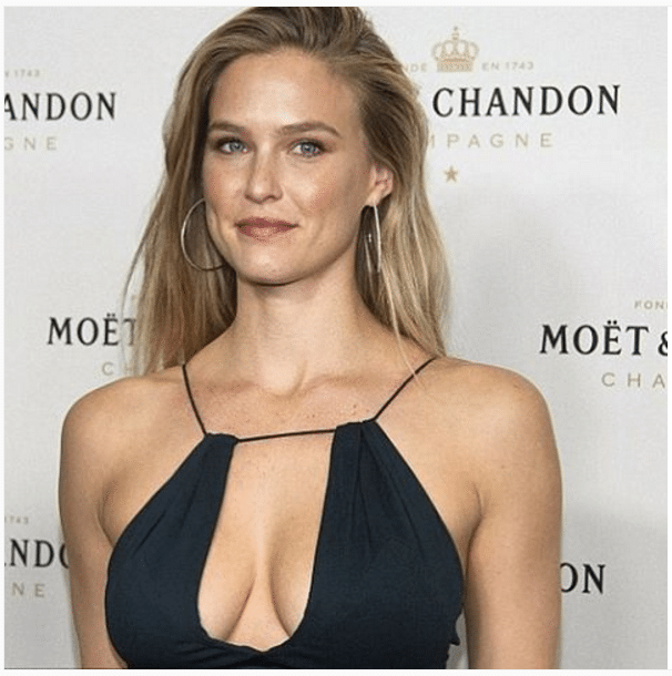 Bar Refaeli How to Get Sculpted Shoulders