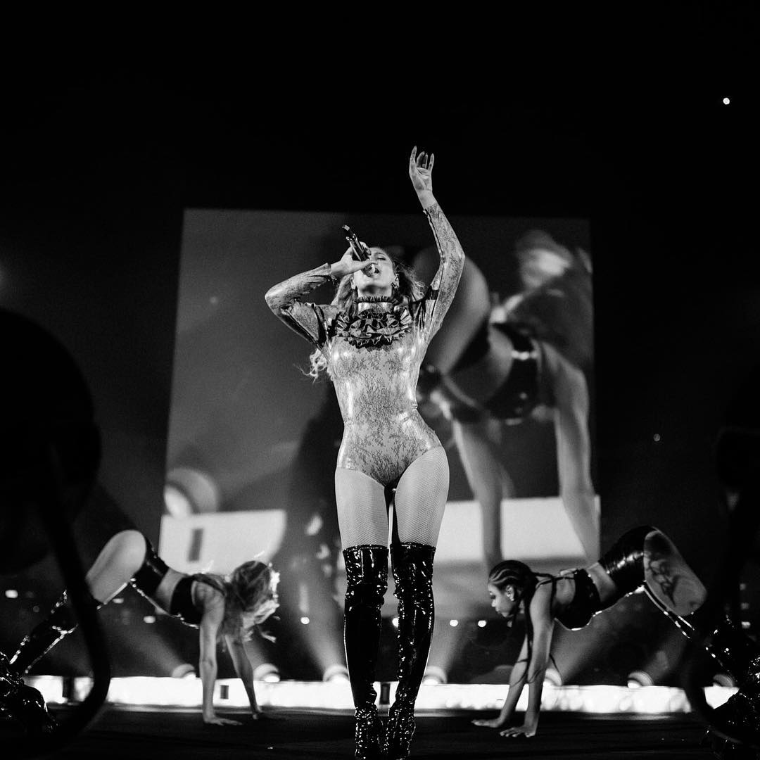 Beyonce toned hamstrings