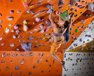 beginners-guide-indoor-rock-climbing