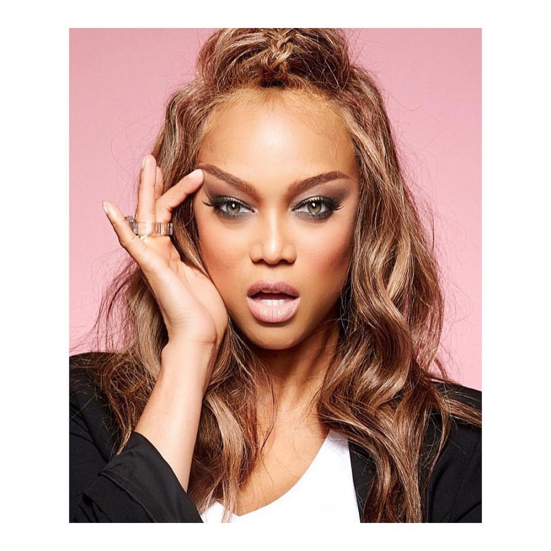 Tyra Banks Perfect Female Neck